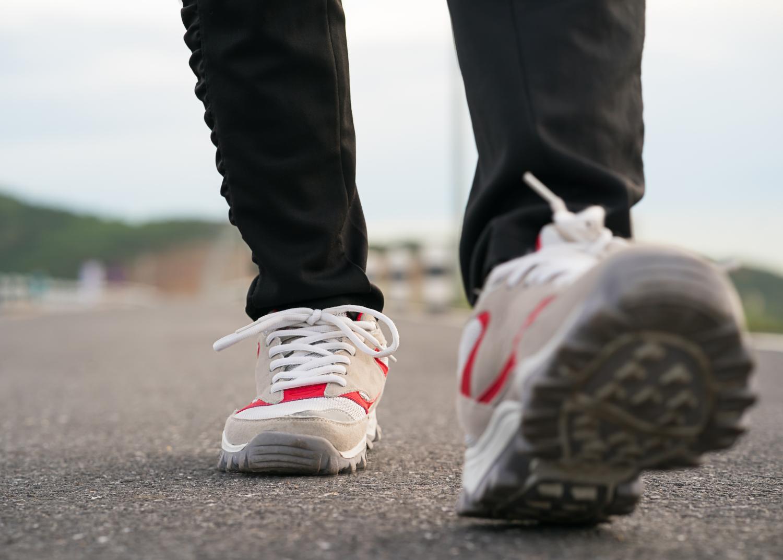 Sportowe buty do eleganckich stylizacji