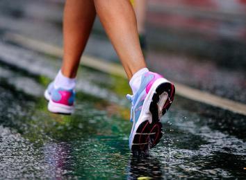 Buty sportowe – moda czy konieczność?